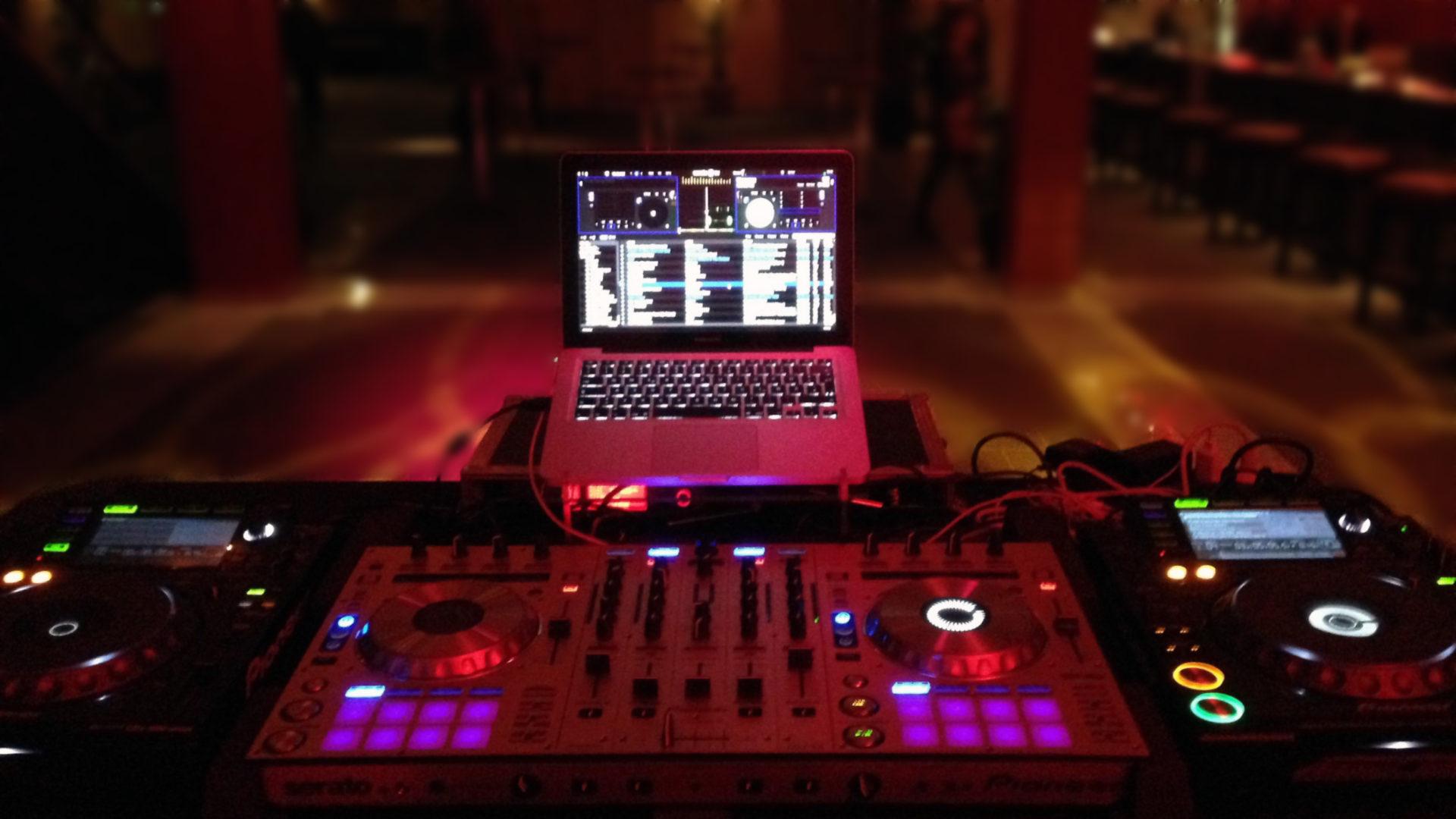 DJ Falk Schuhmann - DJ