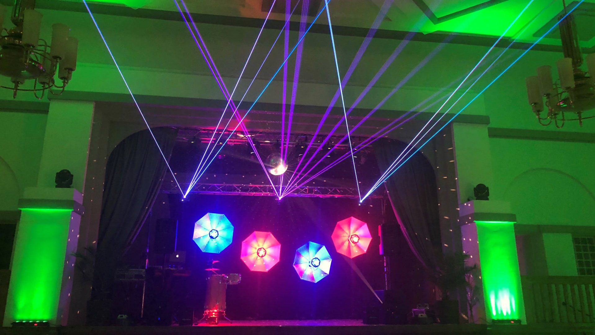 DJ Falk Schuhmann - Lichtshows+Lichtinstallationen